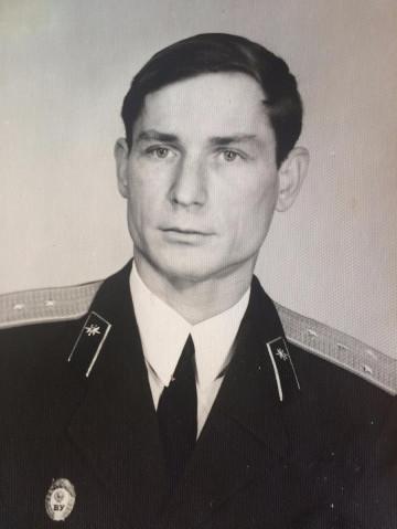 Командир 8 роты 74-75 Ларионов